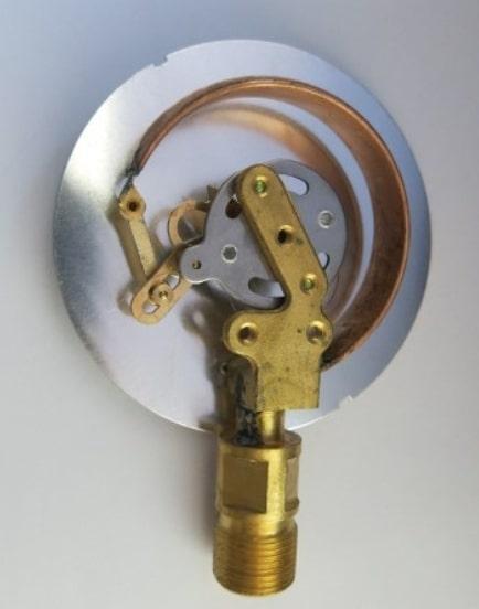 основной компонент большинства манометров - трубка бурдона