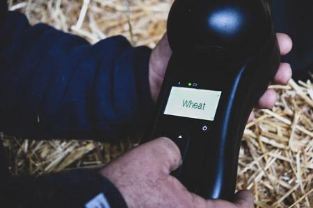 Устройство GrainSense может измерить белок, влагу, масличность в зернах пшеницы, ячменя, рапса