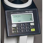 Дисплей с кнопками лабораторного влагомера зерна PM-650