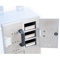 МО-112 каждая ячейка вмещает 1 подставку с бюксами. На подставке может быть распложено: 2 бюксы №3 или 2 бюксы №5 или 1 бюкса сетчатая для подсушивания