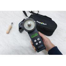 Крышка влагомера зерна farmpoint герметично закрывает камеру и играет роль мерника