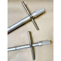Зажим ручки с помощью ключа 6 гранника